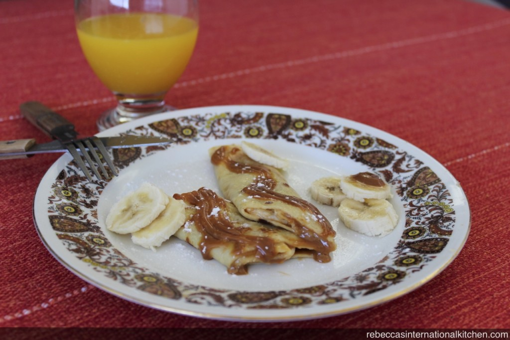 Rebecca's International Kitchen - Panqueques con Dulce de Leche